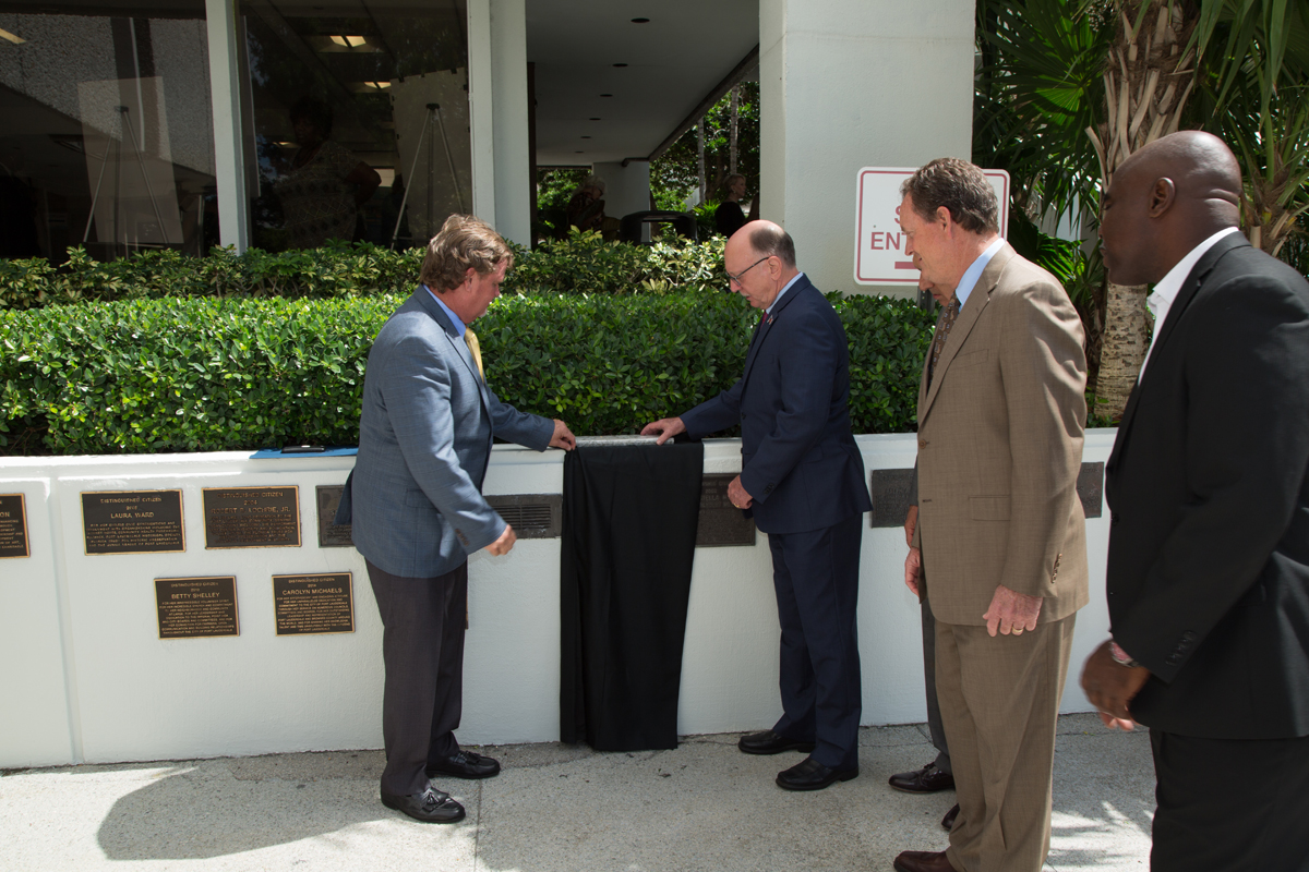 Michael C. Weymouth set to unveil the Distinguished Citizen plaque outside City Hall