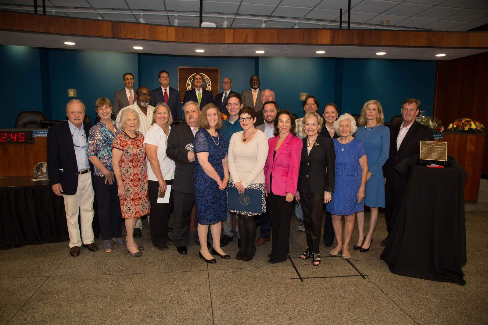 Fort Lauderdale City Commission with past and present Citizens Recognition Awards honorees