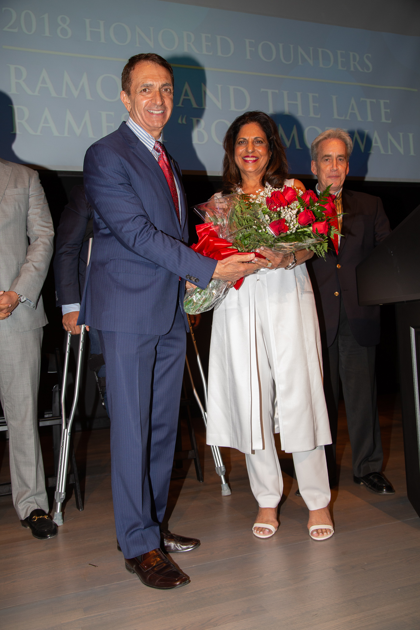 Mayor Dean Trantalis with 2018 Honored Founder Ramola Motwani