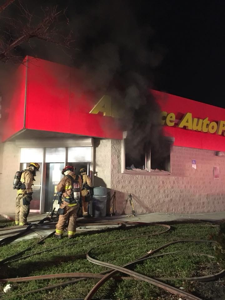 Fire at Advance Auto Parts photo
